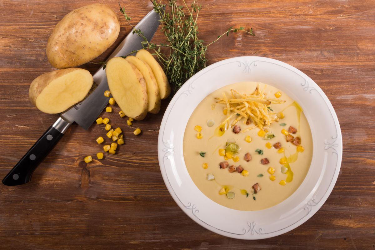 Σούπα με πατάτα, πράσο, γλυκό καλαμπόκι & μπέικον 3
