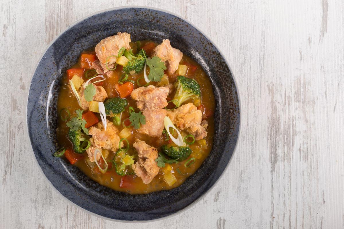 Κοτόπουλο γλυκόξινο με λαχανικά & ανανά 2