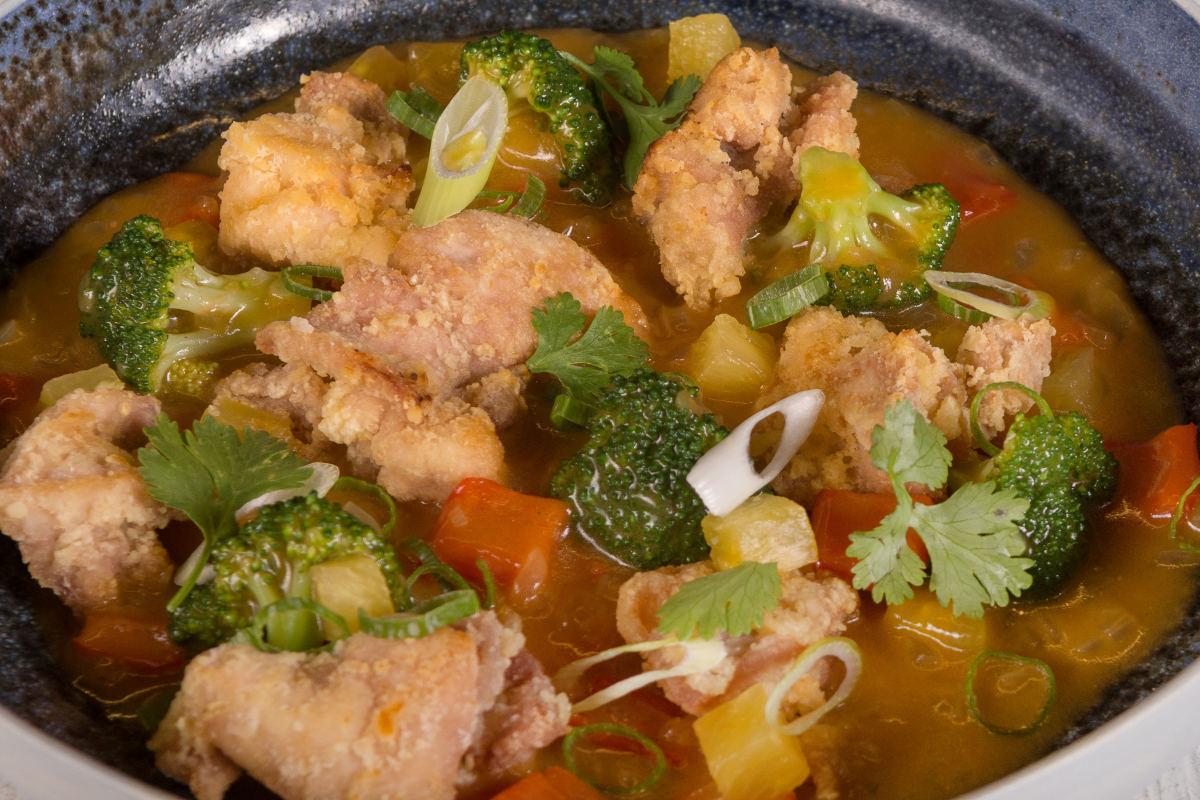 Κοτόπουλο γλυκόξινο με λαχανικά & ανανά 3