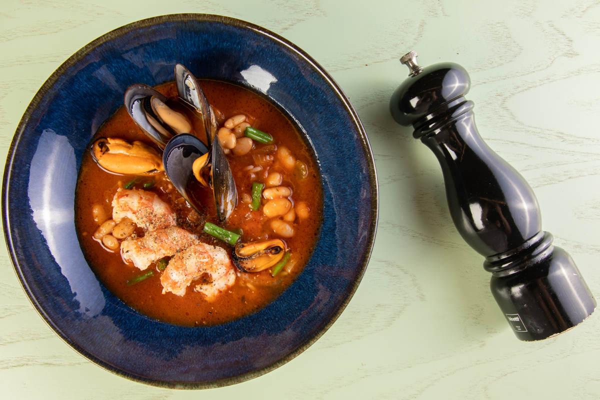 Σούπα μινεστρόνε με θαλασσινά 3