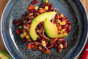 Σαλάτα από κόκκινα φασόλια, αβοκάντο & ανθότυρο 2
